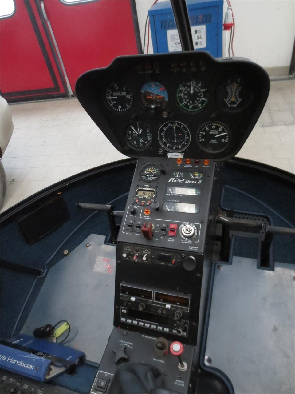 2002 ROBINSON R22 BETA II Photo 5