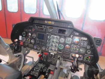 1987 AGUSTA A109A II - Photo 6