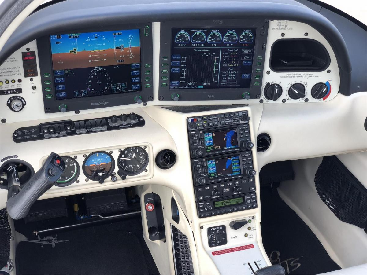 2006 CIRRUS SR22 Photo 6