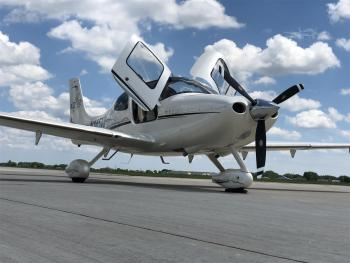2006 CIRRUS SR22 - Photo 2