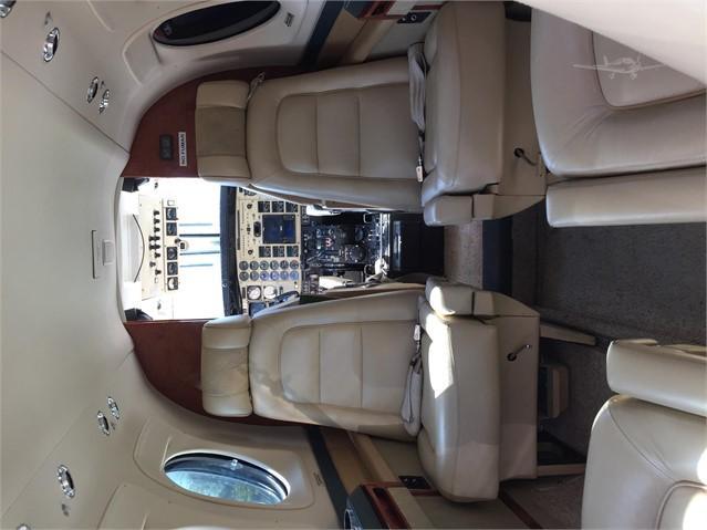 2001 BEECHCRAFT KING AIR C90B Photo 3