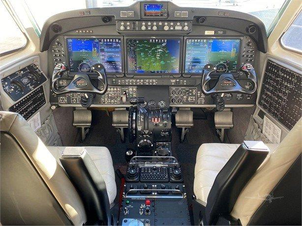 2017 BEECHCRAFT KING AIR 350I Photo 5
