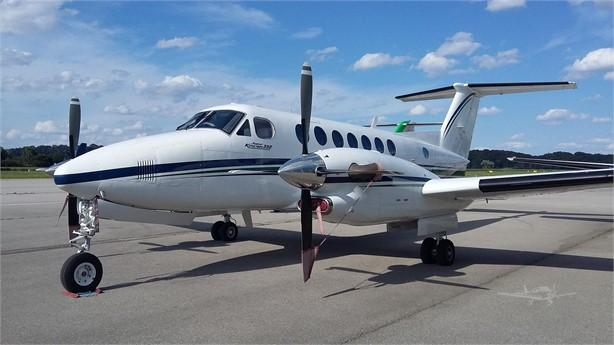 2000 BEECHCRAFT KING AIR 350 Photo 2