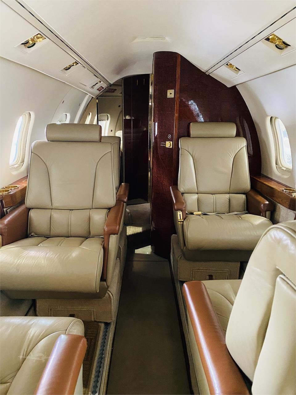 1984 Learjet 55 Photo 6