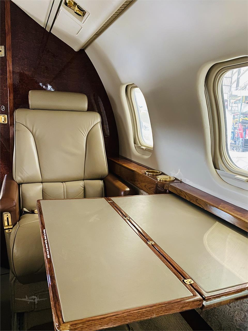 1984 Learjet 55 Photo 2