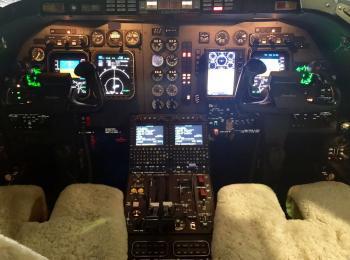 2005 Hawker 400XP - Photo 3