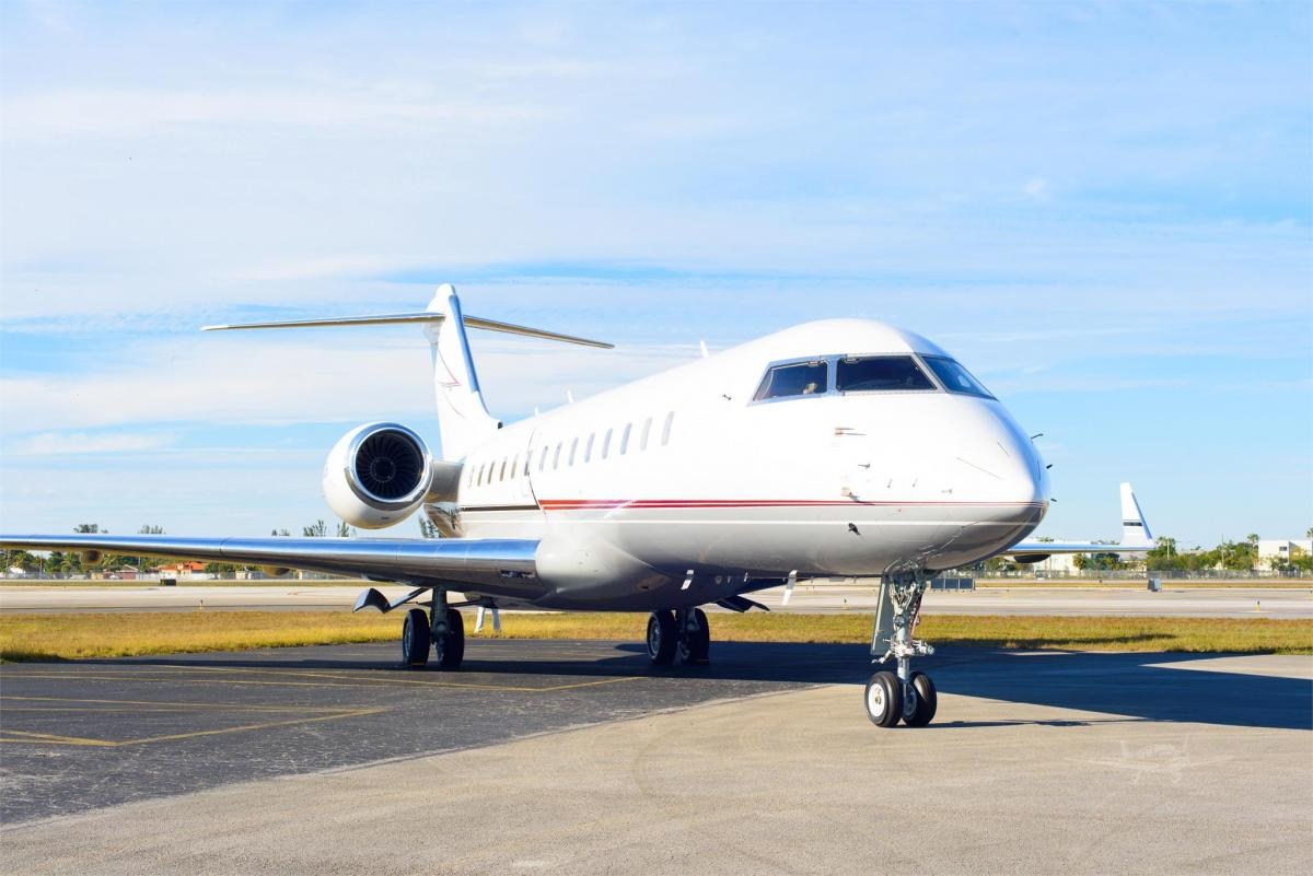 2002 BOMBARDIER GLOBAL EXPRESS  Photo 2