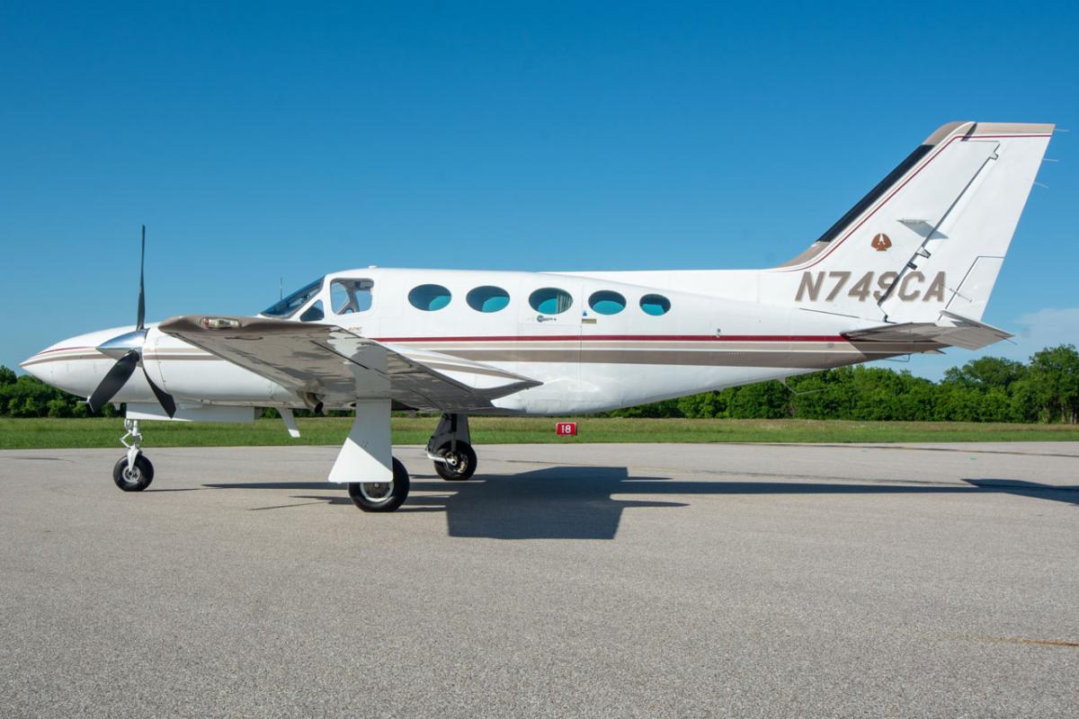 1982 Cessna 421C Photo 2