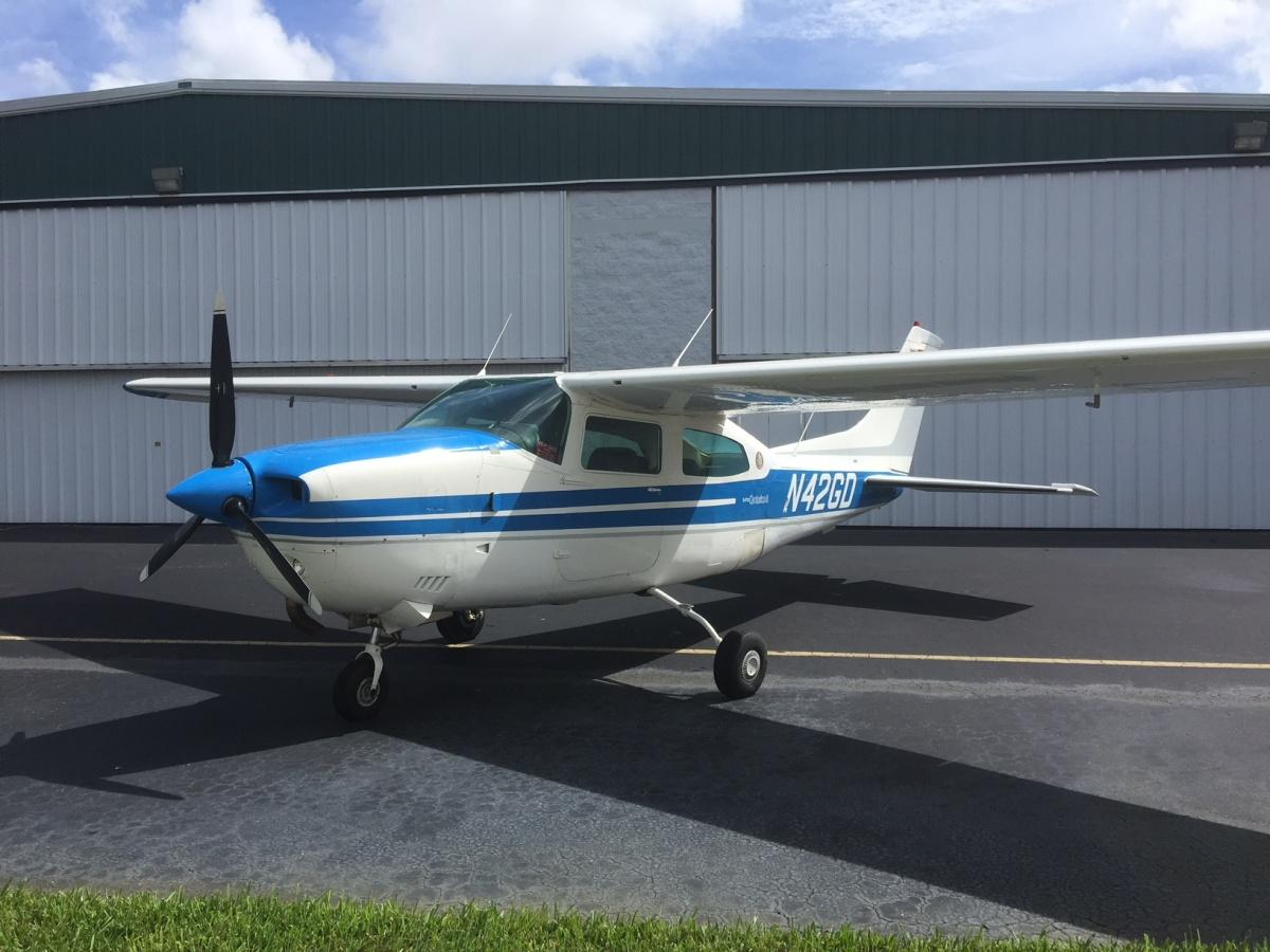 1976 Cessna T-210 - Photo 1