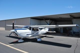 2003 CESSNA TURBO 182T SKYLANE Photo 2