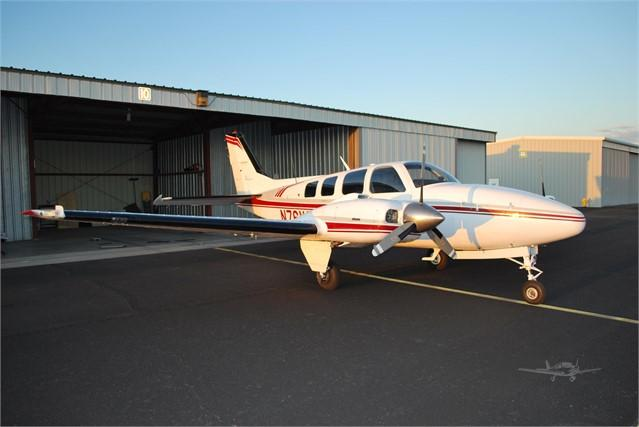 1982 BEECHCRAFT 58 BARON Photo 4