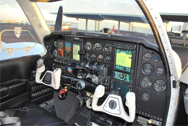 1982 BEECHCRAFT 58 BARON Photo 7