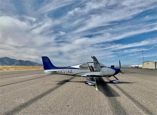 2001 CIRRUS SR22  Photo 2
