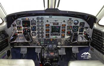 2001 Beech King Air B200 - Photo 3