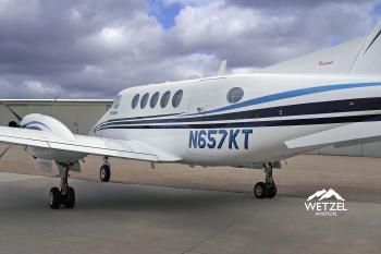 2001 Beech King Air B200 - Photo 2