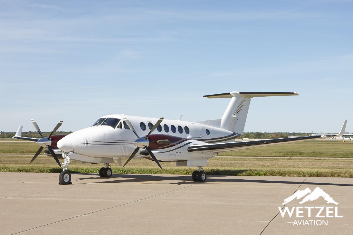 2000 Beech King Air 350 - Photo 1