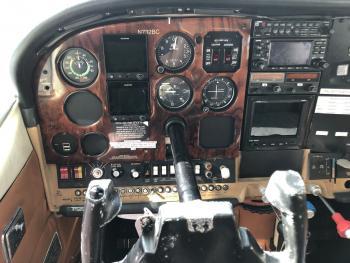 1976 Cessna 210L - Photo 18