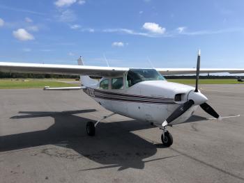 1976 Cessna 210L - Photo 4