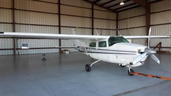1979 Cessna 210N Centurion  - Photo 2
