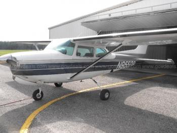 1981 Cessna 172RG - Photo 2