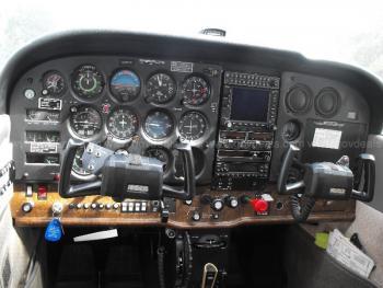 1981 Cessna 172RG - Photo 9