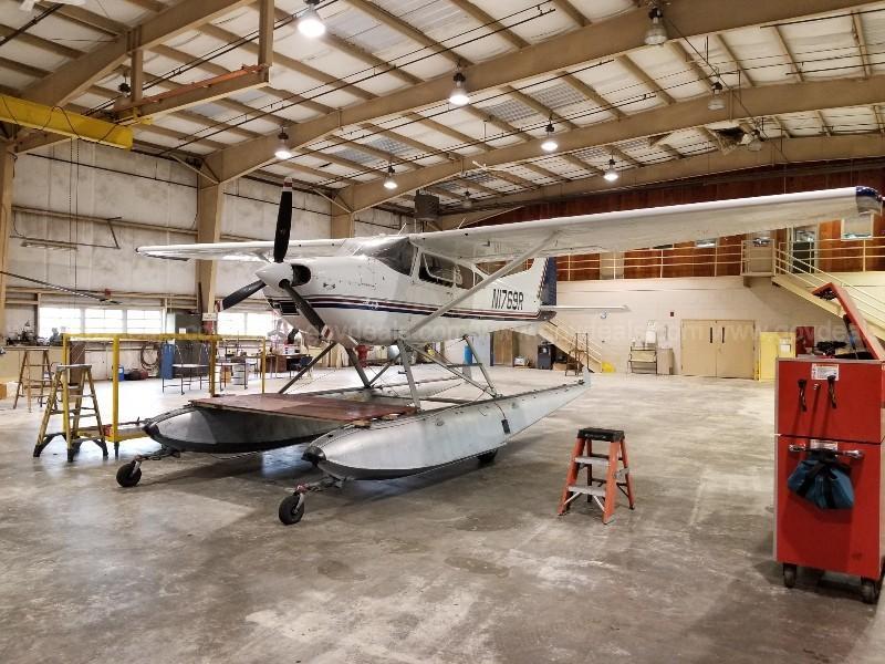 1974 Cessna 185 Skywagon Amphibian Photo 2