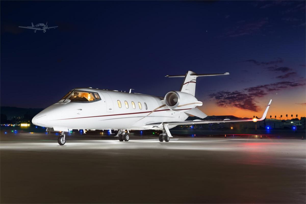 2000 Learjet 60 Photo 2