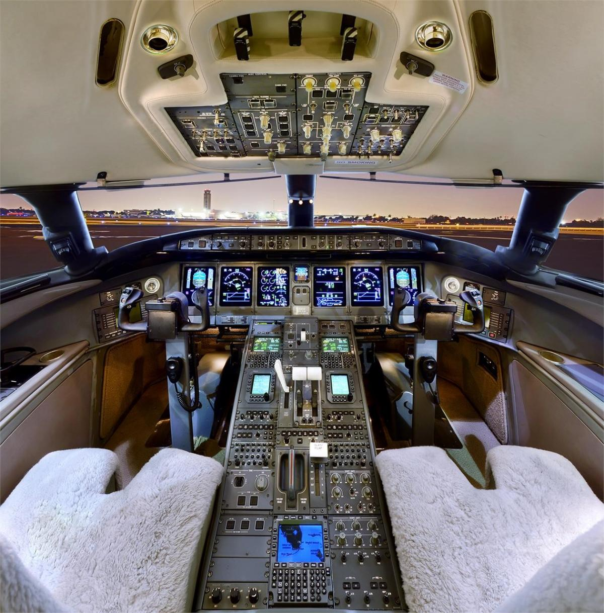 2002 BOMBARDIER GLOBAL EXPRESS Photo 3