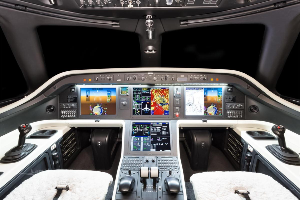 2018 EMBRAER LEGACY 500 Photo 4