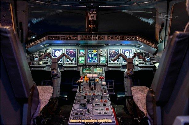 2013 EMBRAER LEGACY 650 Photo 3