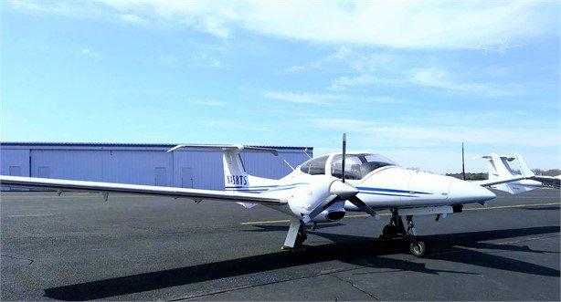 2007 DIAMOND DA42 Photo 2