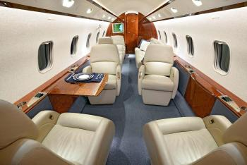 2006 Bombardier Challenger 300 - Photo 2