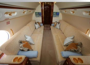 2009 Gulfstream G550 - Photo 3