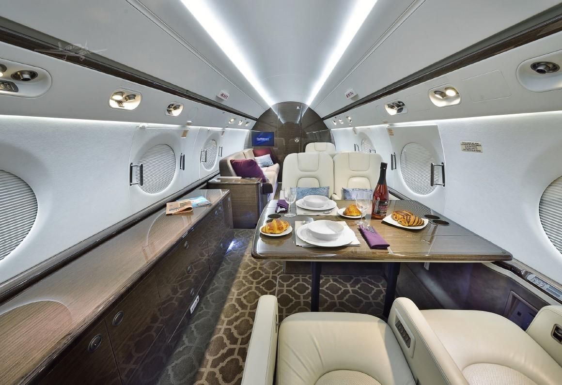 2010 GULFSTREAM G550 Photo 3