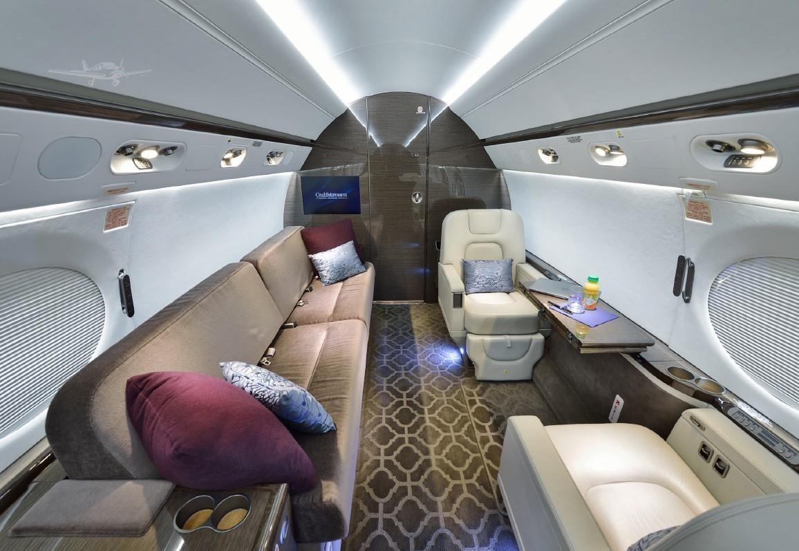 2010 GULFSTREAM G550 Photo 4