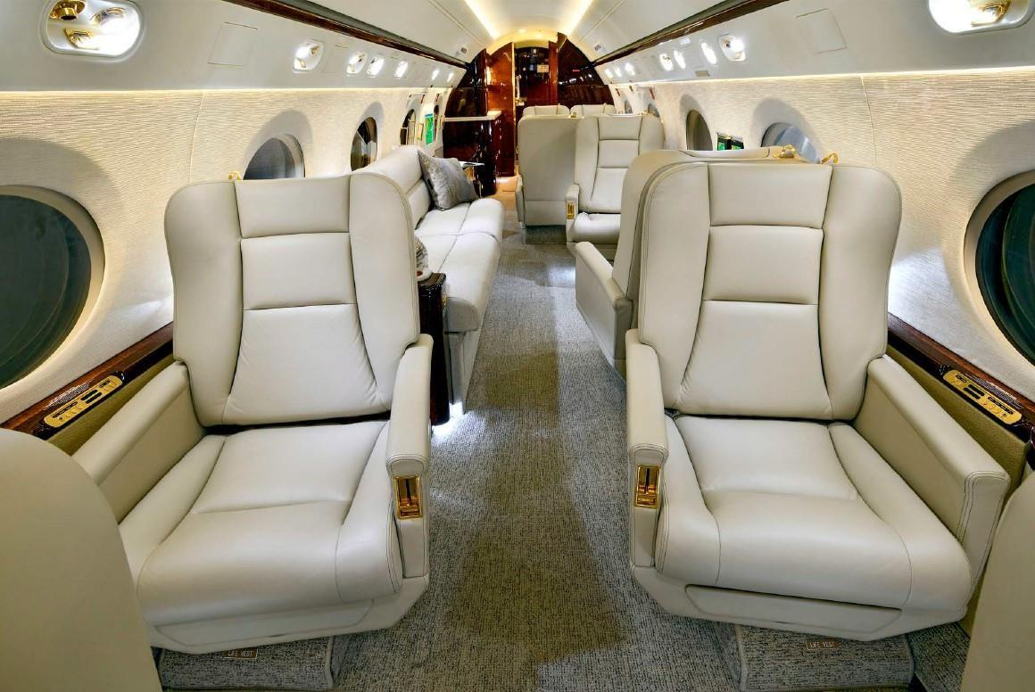 2004 Gulfstream G550 Photo 4