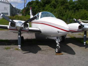 1980 BEECHCRAFT B55 BARON  - Photo 2