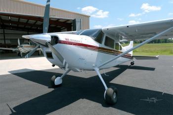 1981 Cessna A185F - Photo 2