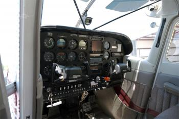 1981 Cessna A185F - Photo 4