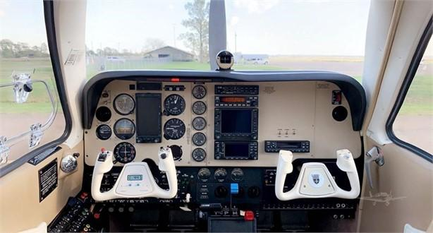 2005 BEECHCRAFT A36 BONANZA Photo 2
