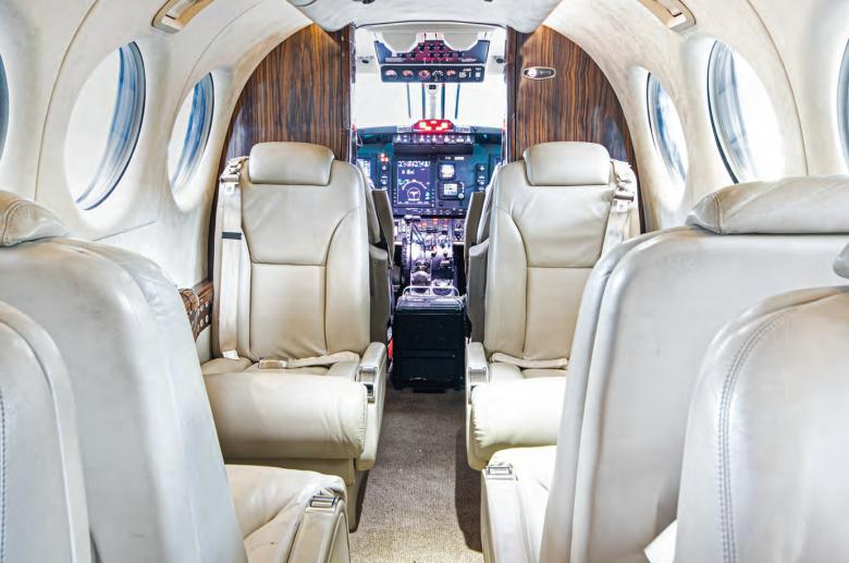 2011 Beech King Air 350i Photo 4