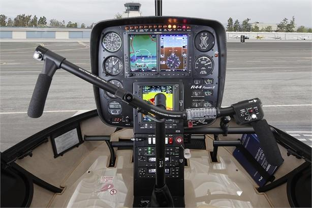 2021 ROBINSON R44 RAVEN II Photo 4