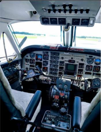 1992 BEECHCRAFT KING AIR C90A - Photo 15