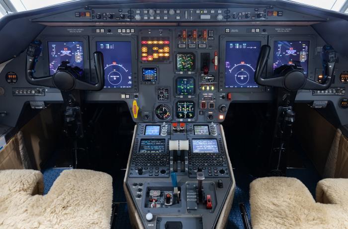 Dassault Falcon 2000 Photo 2