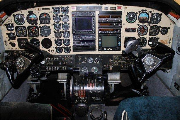 1976 BEECHCRAFT KING AIR C90 Photo 5