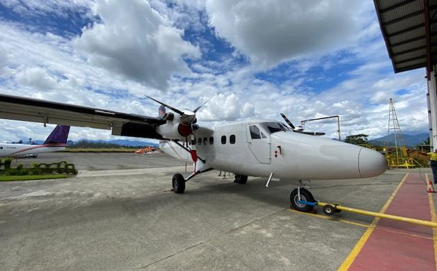 2012 Viking DHC-6 400 for Sale or Lease Photo 2