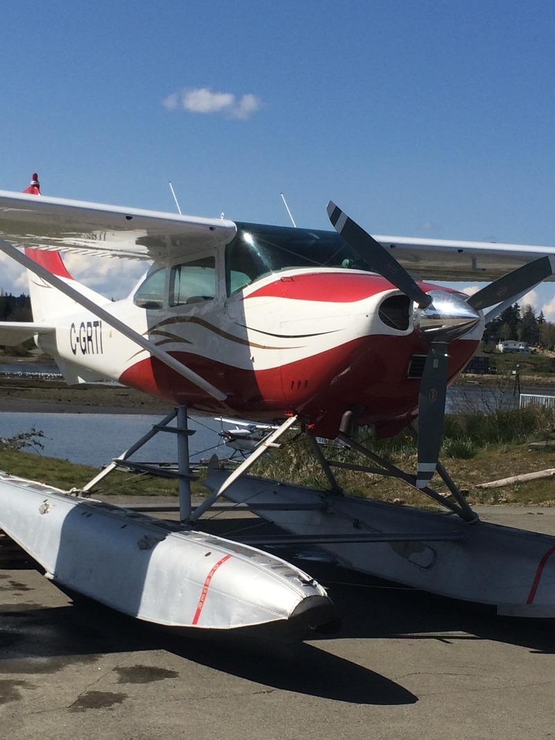 1965 Cessna 182H Float Plane Photo 2