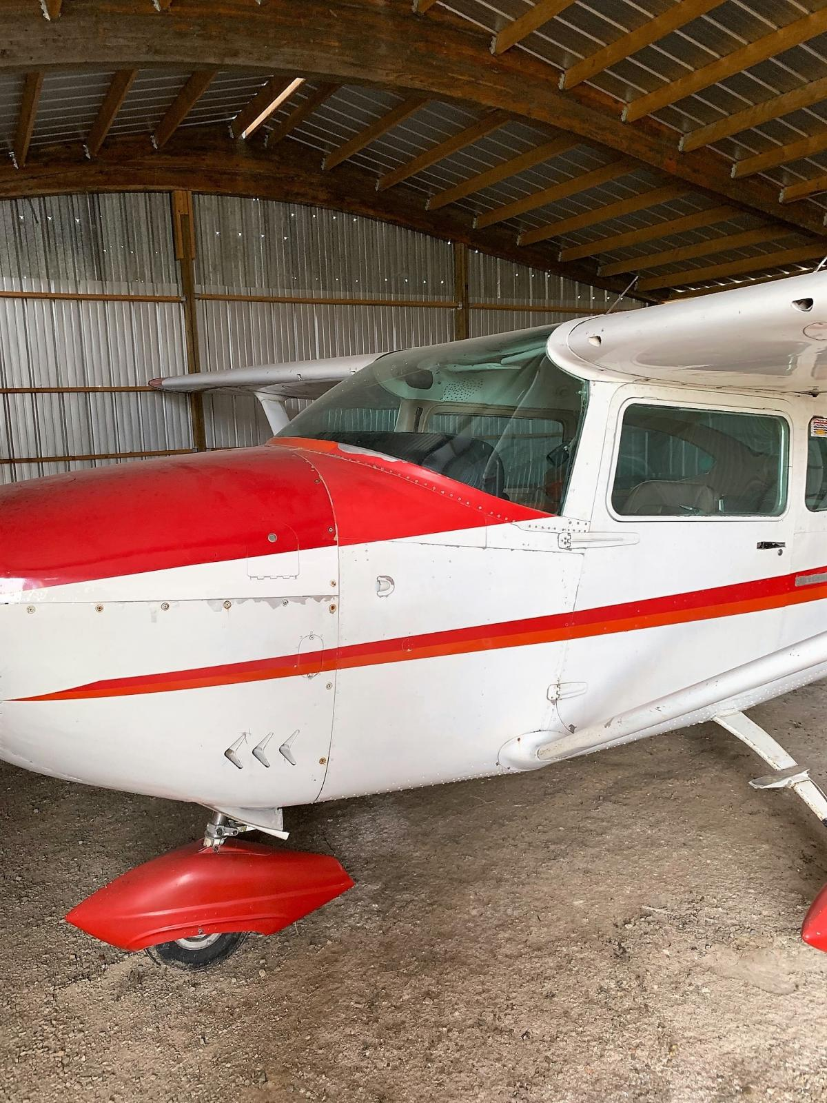 1969 Cessna 182 Photo 3