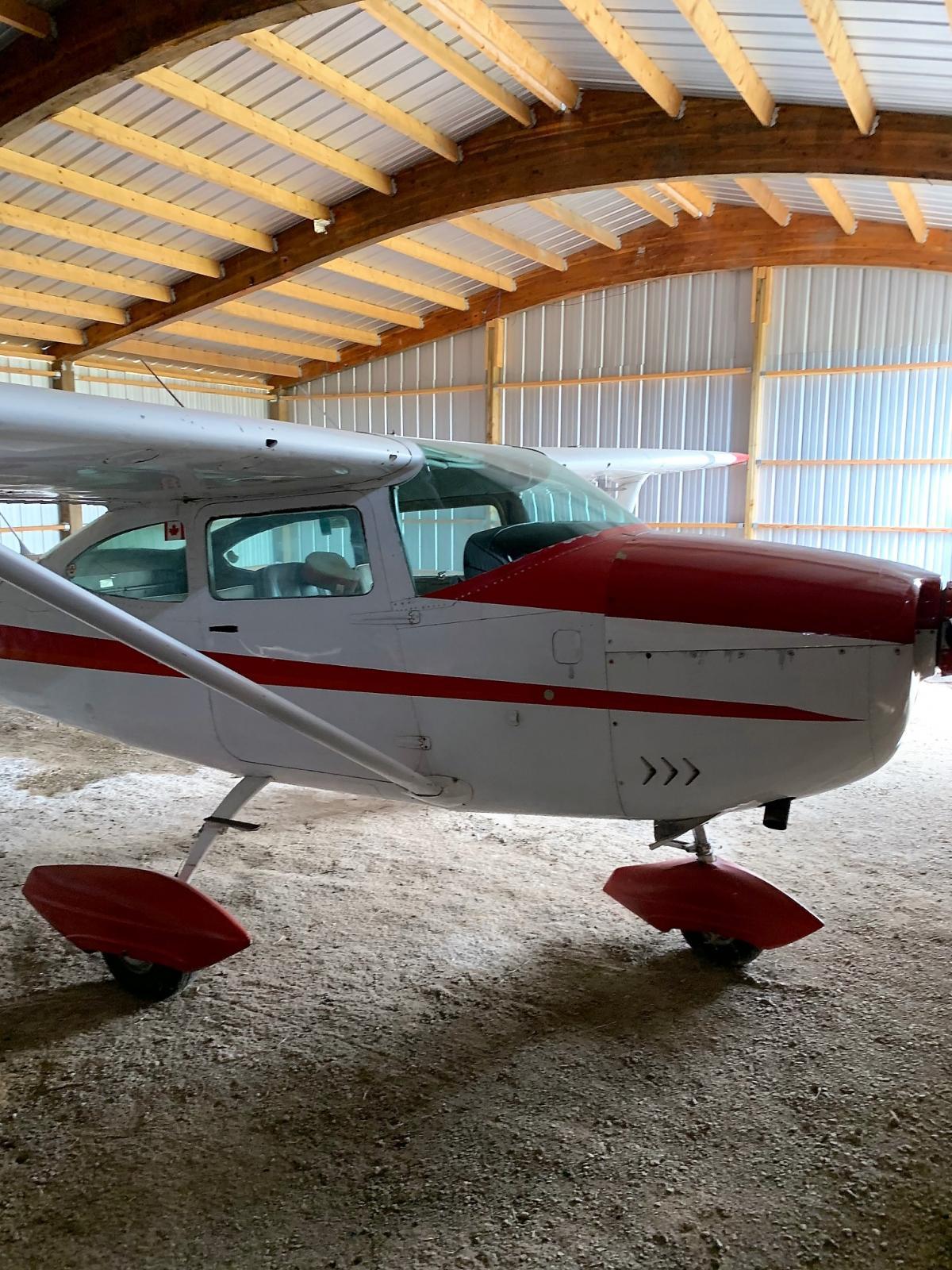 1969 Cessna 182 Photo 2