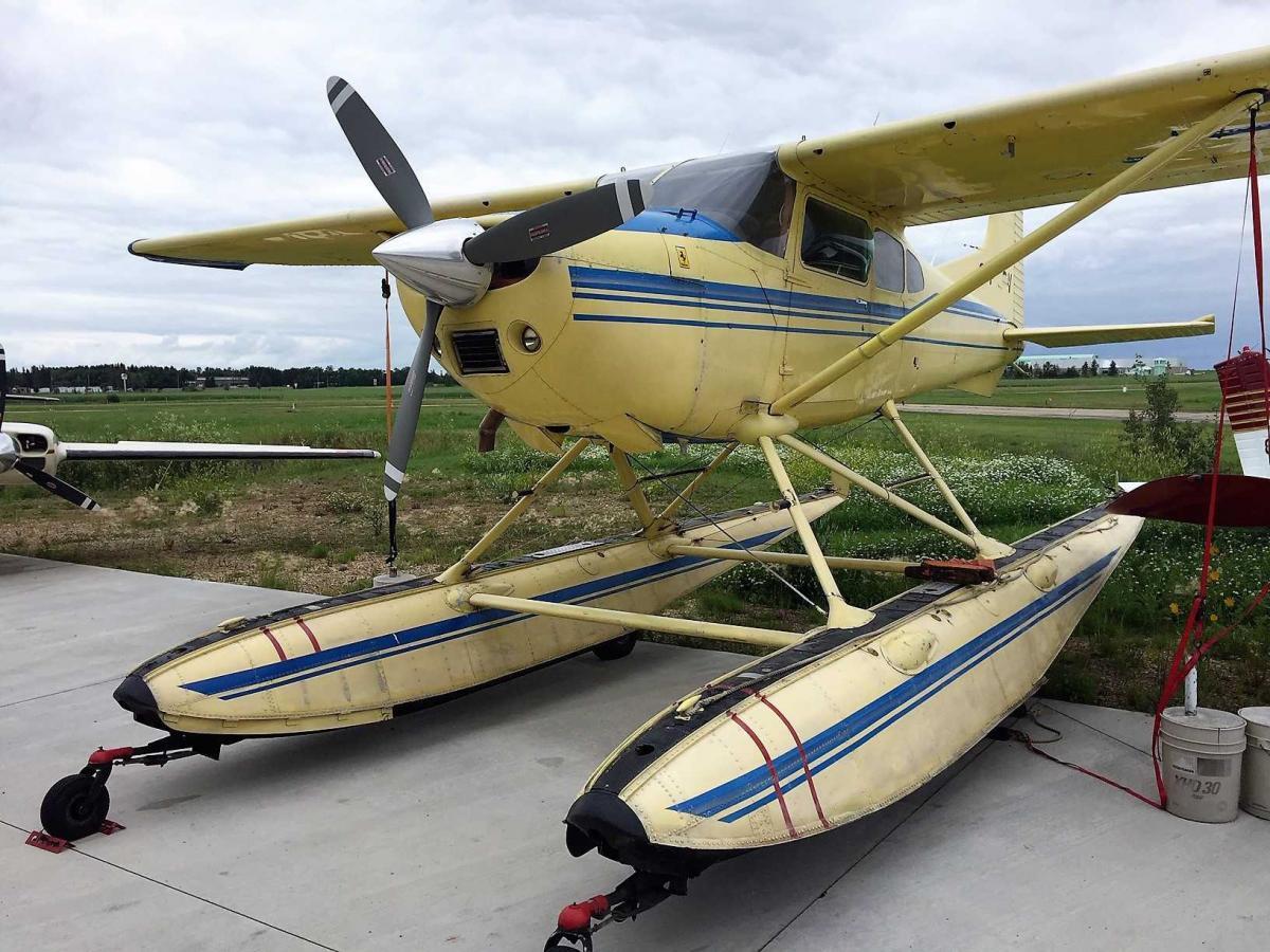 1974 Cessna 185F Amphib Photo 2